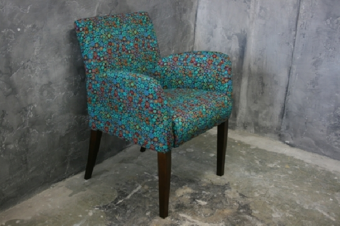 Green dotted chair
